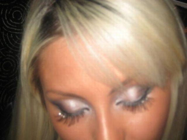 Extended eyelashes (12 pics)