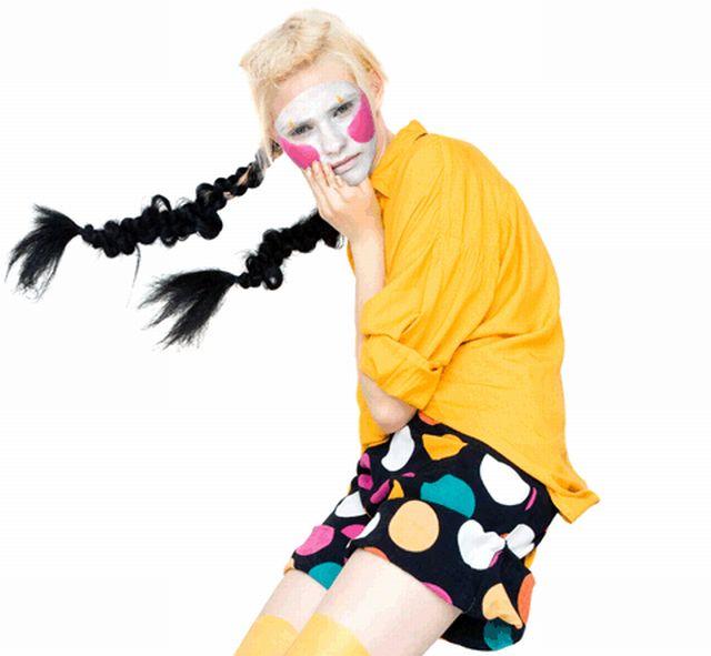 A female clown (7 pics)