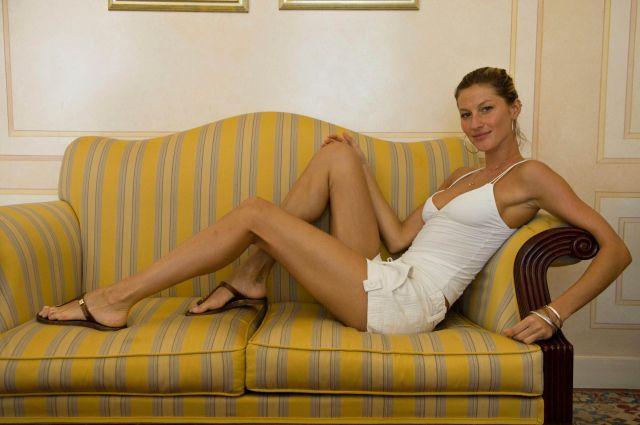 Some pics of Gisele Bundchen (10 pics)