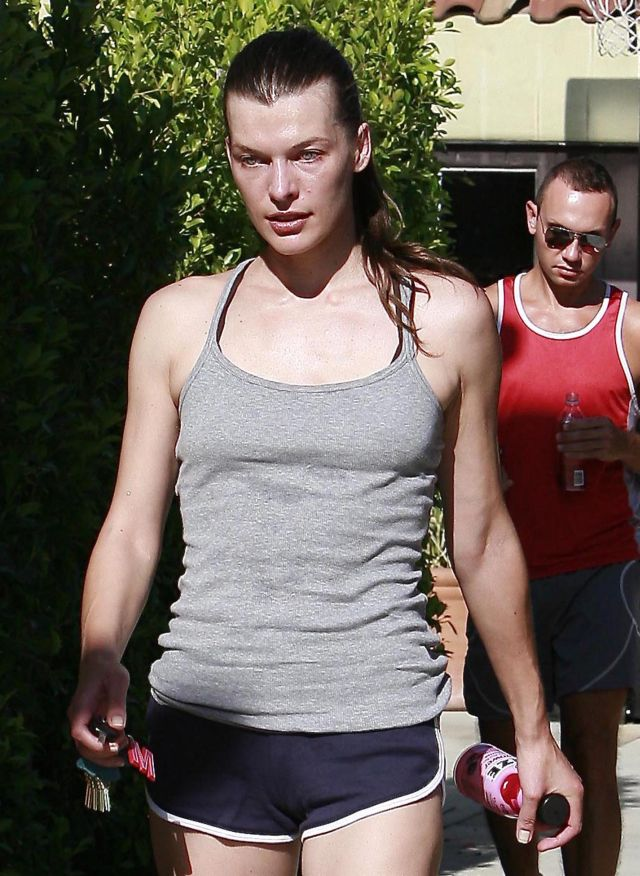 Mila Jovovich after doing sport (12 pics)