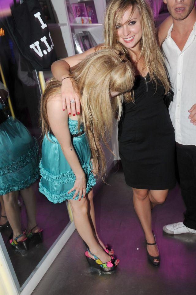 Avril Lavigne (10 pics)