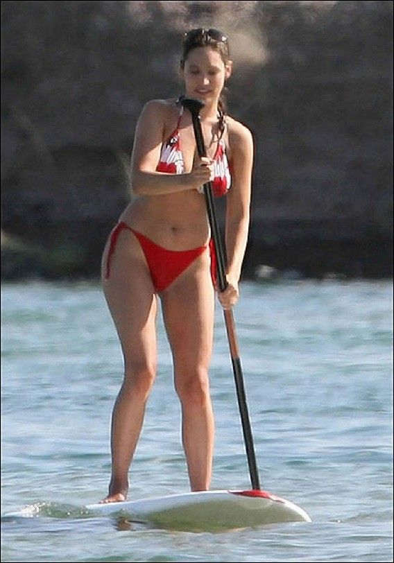 Kelly Brook in bikini (8 pics)
