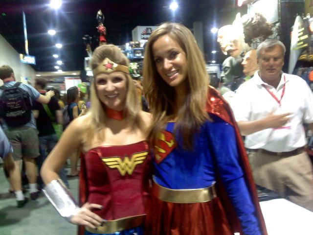The girls at Comic-Con 2009 (42 pics)
