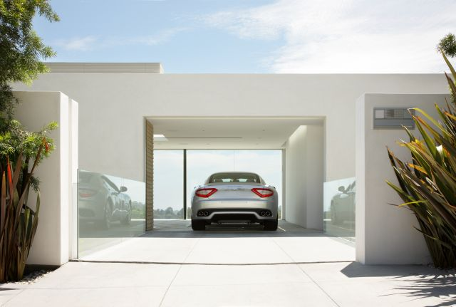 The best garage design for Maserati (2 pics)