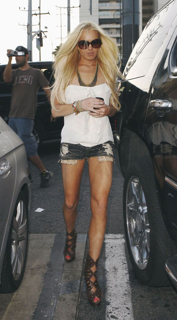 Some recent pics of Lindsay Lohan (12 pics)