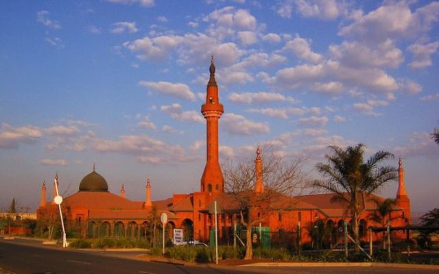 Impressive and beautiful mosques (47 pics)