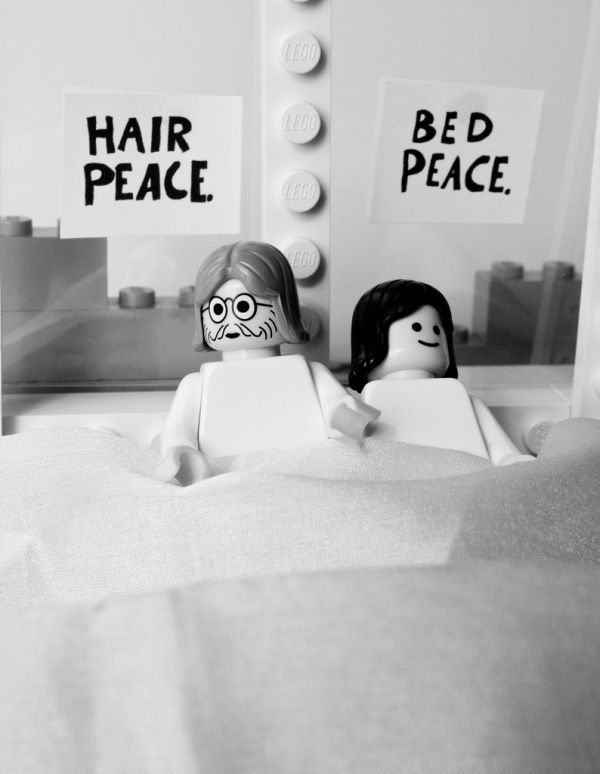 Recreation of world's most famous pictures in Lego (54 pics)