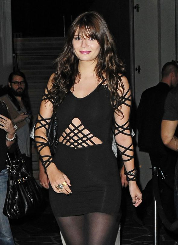 Mischa Barton has changed. She gained some weight (7 pics)
