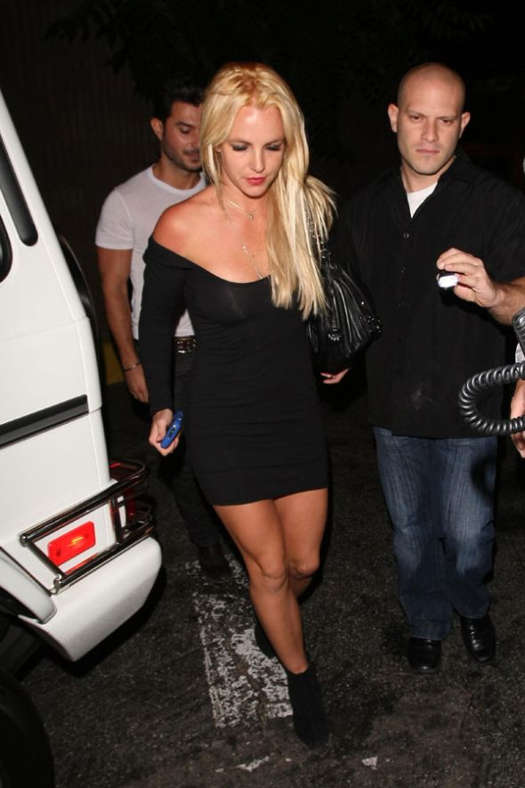 Britney Spears. Nothing interesting. It's just been long-time she didn't appear on the site :) (9 pics)