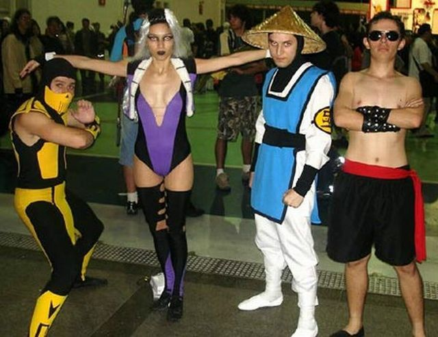 Mortal Kombat and cosplays (21 pics)