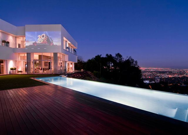 Hollywood hills for Modern homes hollywood hills