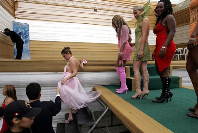 Inside look at prison pageants (15 pics)