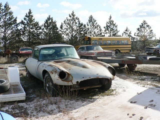 Super cars wrecks (104 pics)