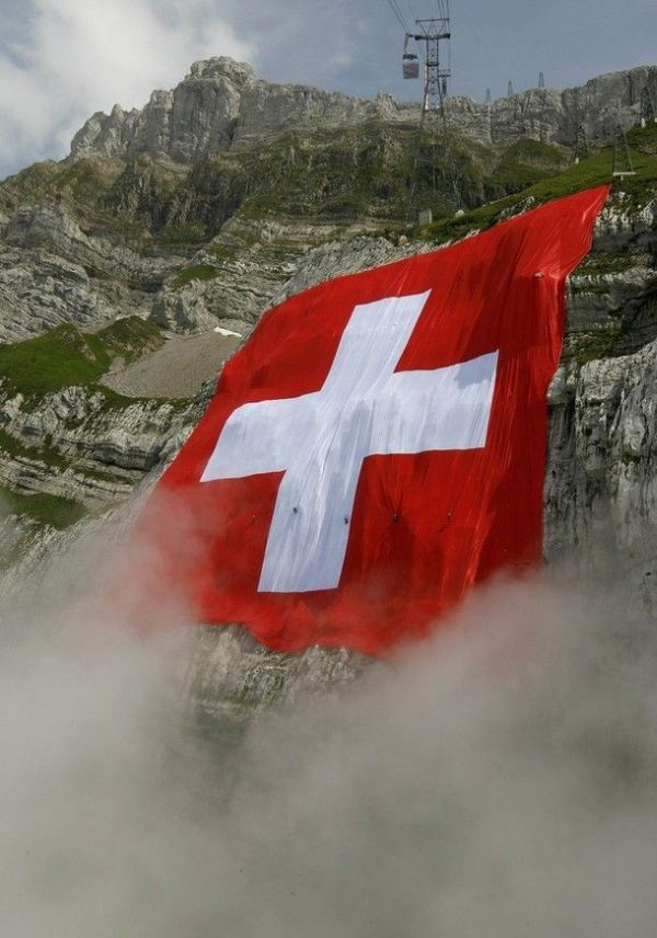 The biggest Swiss flag in the world! (11 pics)