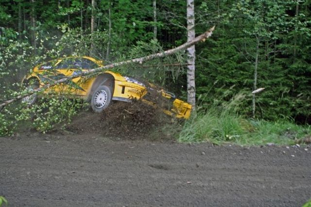 Spectacular jump at the Neste Oil Rally Finland (15 pics)