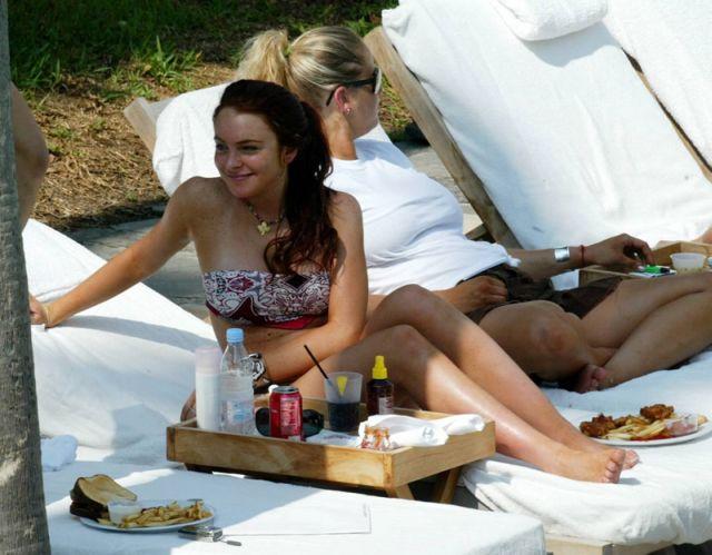 Lindsay Lohan in bikini (13 pics)