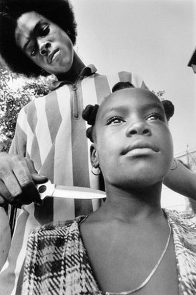 Beautiful black and white photographs of youth involved in gangs by Donna De Cesare (27 pics)