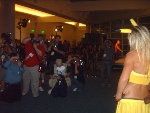 Jessica Nigri in a Pokemon costume (36 pics)