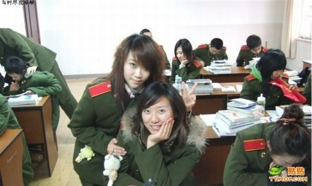 Chinese military girls in uniform and civil clothes (11 pics)