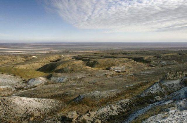 Dying Aral Sea (18 pics)