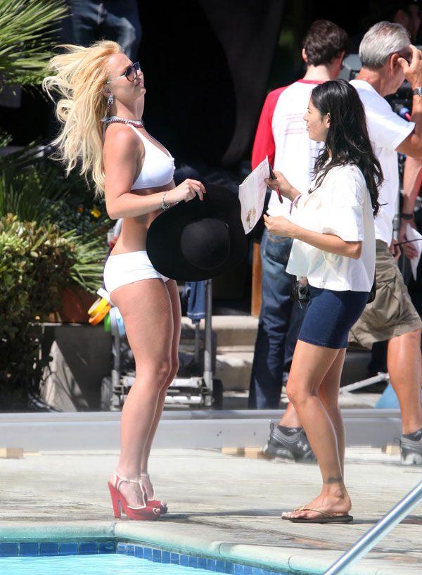Britney Spears in a white bikini (20 pics)