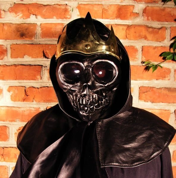 Weird costume of Death ! (6 pics)