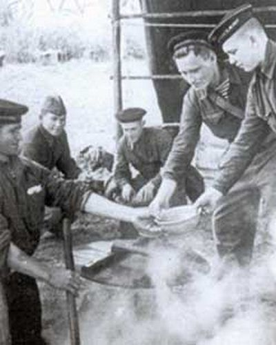 How soldiers ate during the war (15 pics)