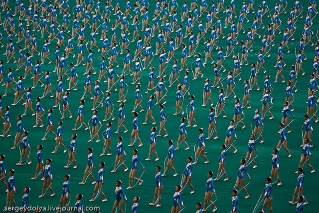The biggest gymnastic show in the world (47 pics + 1 video)
