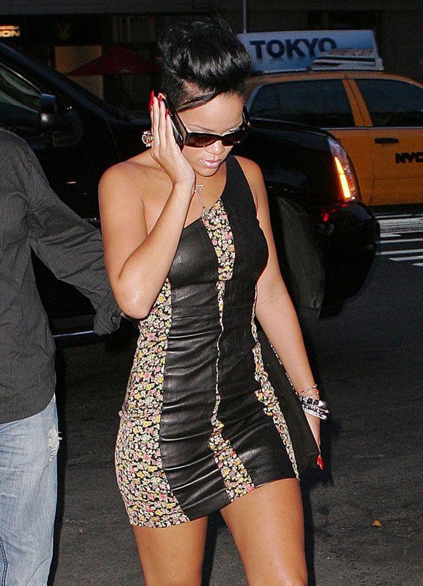 Rihanna (10 pics)