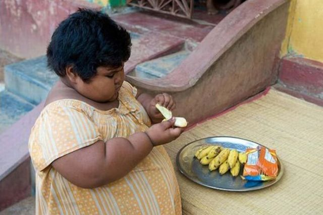5-year-old Indian girl that eats way too much (9 pics)