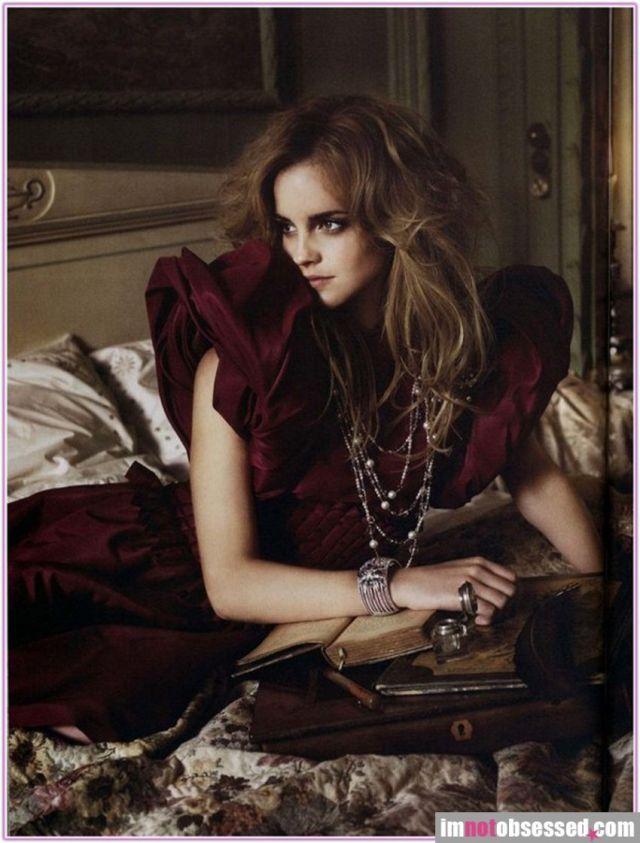 5 Emma Watson in Vogue magazine (9 pics)