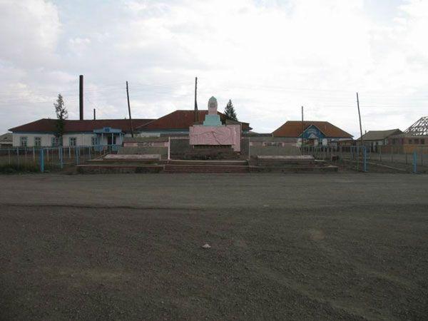 Russian Far East town (36 pics)