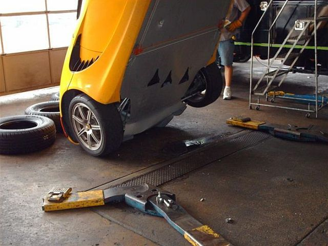 How often do you go to an auto repair shop? (21 pics)