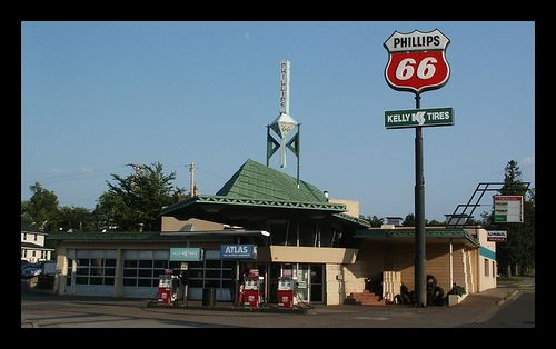 The most creative American gas stations (15 pics)