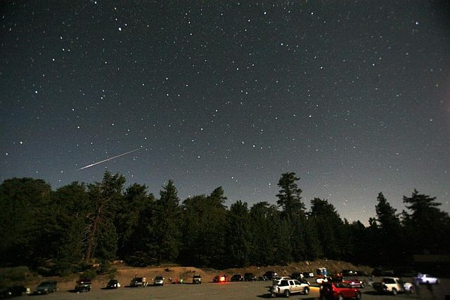 Meteor shower (12 pics)