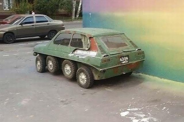 Mysterious car (5 pics)