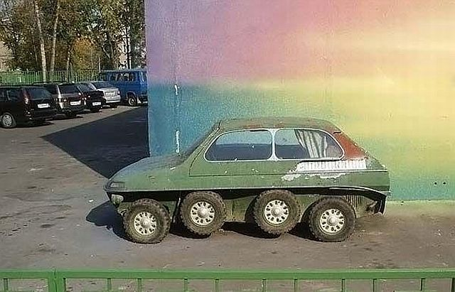 Mysterious car (5 pics)