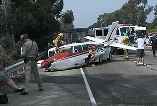Incident on Highway 101 (10 pics)