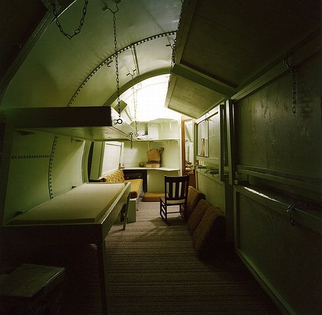 Individual bomb shelters (19 pics)