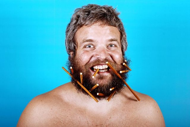 It's not easy to eat with a beard ;) (9 pics)