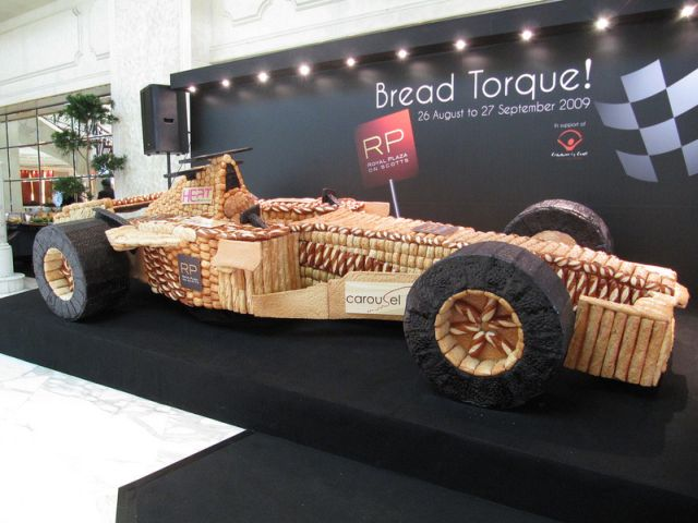 Formula 1 car made from…bread (6 pics)