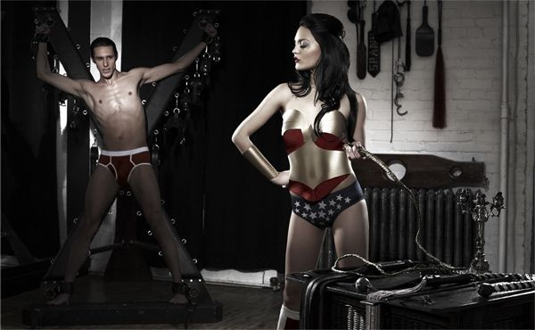 Superheros in everyday life (6 pics)