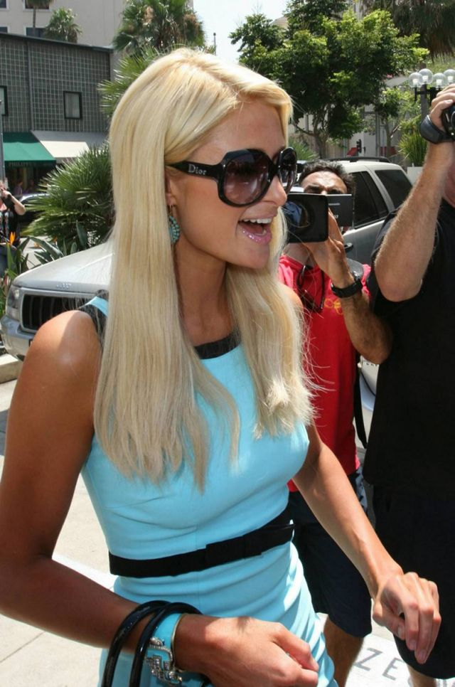 Paris Hilton in Beverly Hills (12 pics)