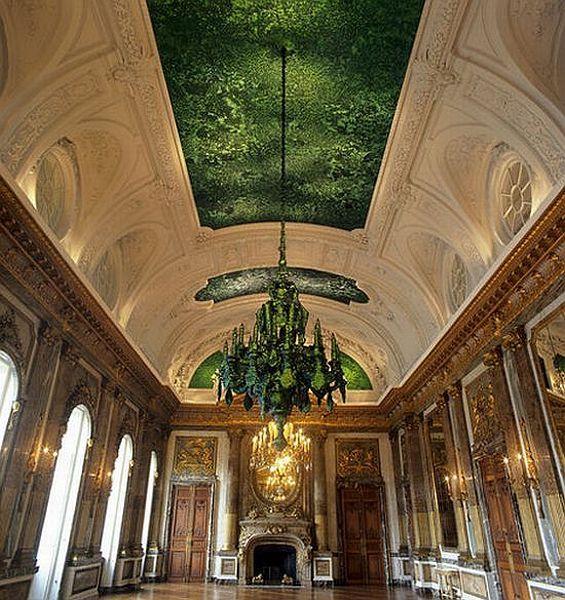 Very unusual ceiling (6 pics)