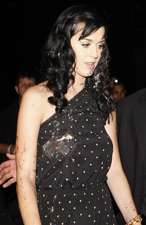 Katty Perry got the cake ;) (6 pics)
