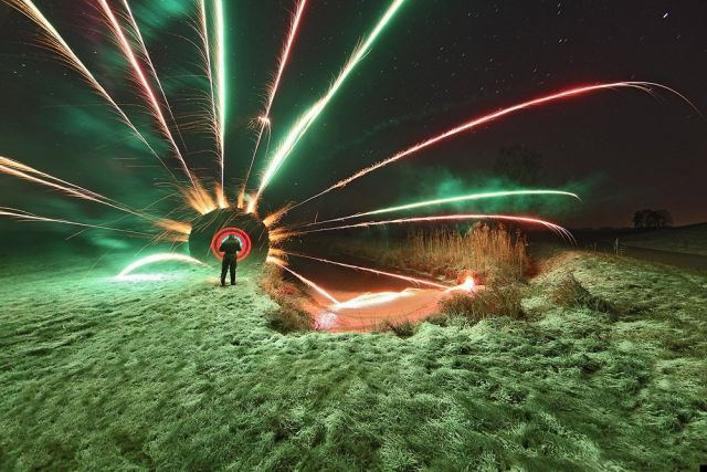 Another collection of light graffiti (33 pics)