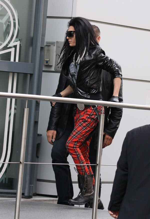 Bill Kaulitz in Paris (10 pics)