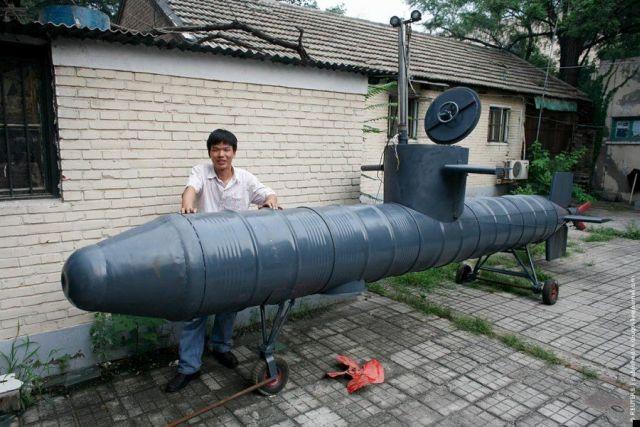 Hand-made submarine (4 pics)