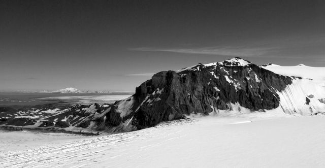 Black and white photos of the largest glacier in Europe (29 pics)