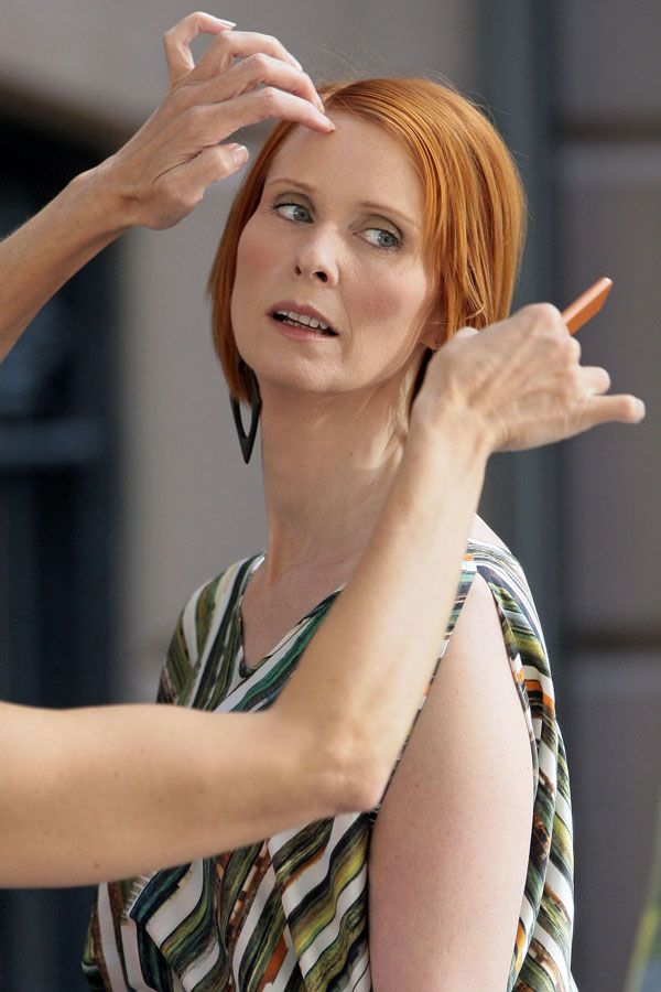 Cynthia Nixon at the set of Sex and the City 2 (12 pics)